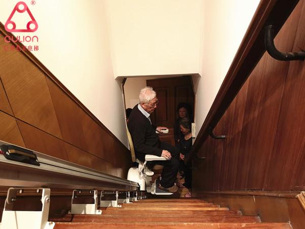 巨菱Gulion在上海静安区老年座椅电梯安装实例